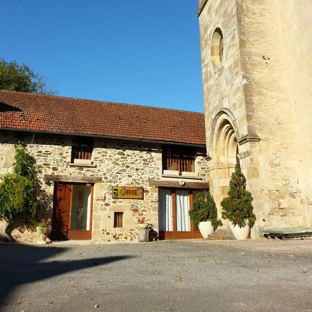grange-eglise-scaled.jpg