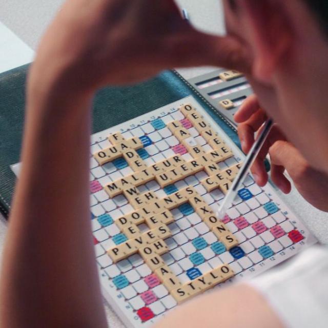 scrabble-joueur.jpg